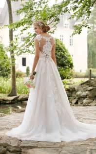 Romantic Lace Wedding Dress With Cameo Back Stella York