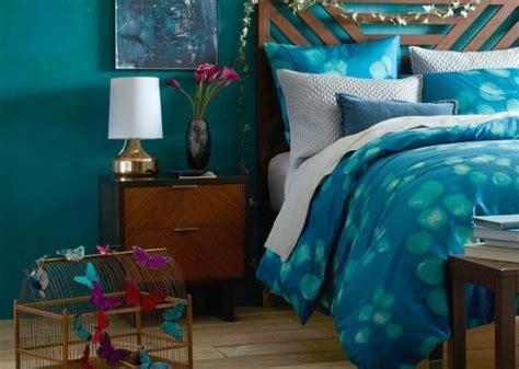 d o chambre bleu canard 1001 idées pour une chambre bleu canard pétrole et paon