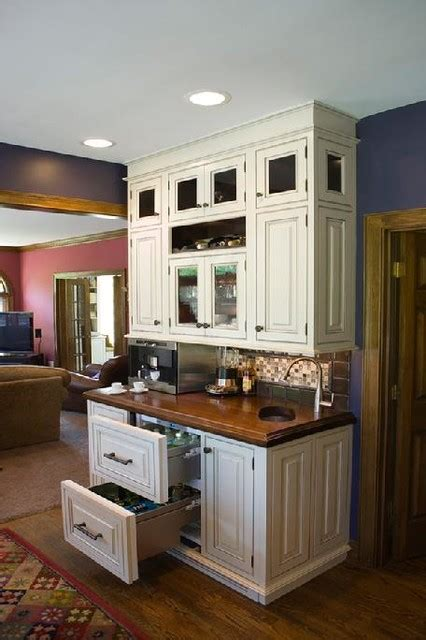 Kitchen Cabinets Cincinnati by Cincinnati Kitchen White And Cabinets Traditional