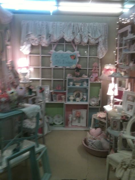 shabby chic display ideas 1000 images about display ideas on pinterest shabby chic craft show booths and crates