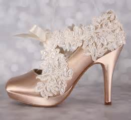 ivory lace wedding shoes chagne wedding shoes closed toe bridal heels with an ivory lace overlay to sash