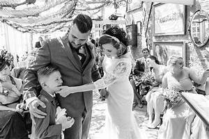 Tips for children at weddings tricks and ideas to take for How to take wedding pictures
