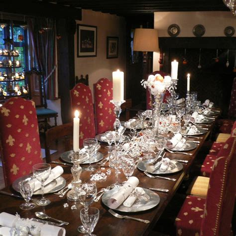 elegant christmas table settings ideas 50 stunning christmas table settings style estate