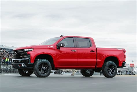 2019 Silverado Airlifted Into Texas Speedway  Top News