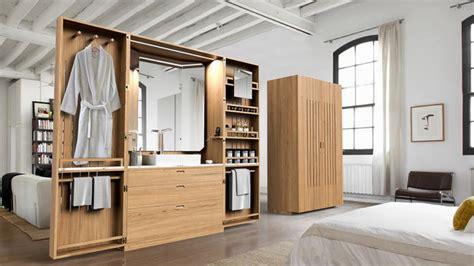 cloisonner une chambre une salle de bains compacte dans une armoire