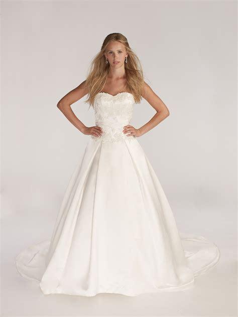 Kirstie Kelly Moonstone C2201 Ivory Size 5 Wedding Dress