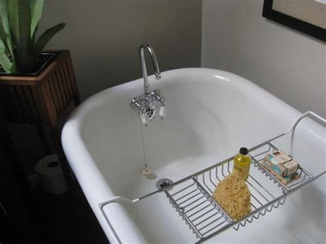 how to clean a white porcelain kitchen sink how to clean an porcelain enamel bathtub or sink 9704