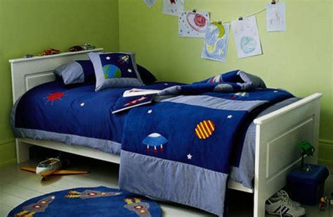 decoration murale chambre gar輟n 31 idées déco chambre garçon