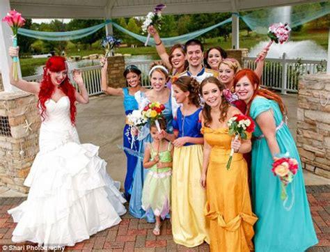 10 Matrimoni Nerd Che Accresceranno La Vostra Autostima Theme Wedding Dress Ideas Australia Favors Unlimited Phone Number Inexpensive Treats Cinderella Decoration Kerala Homemade