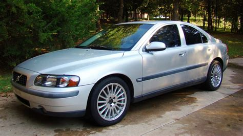 Volvo S60 2 4t by 2001 Volvo S60 2 4t Aftermarket Garage
