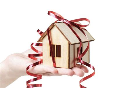 holiday gifts for the new homeowner