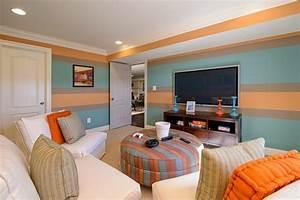 Wand Farbig Streichen Ideen : wand streichen ideen wohnzimmer streifen hellblau orange ~ Lizthompson.info Haus und Dekorationen