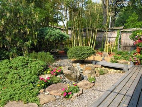 front yard decor ideas 18 relaxing japanese inspired front yard d 233 cor ideas digsdigs