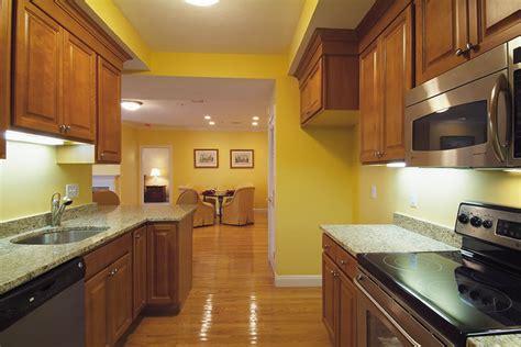 Brilliant 21 Imageries Kitchen Yellow Walls