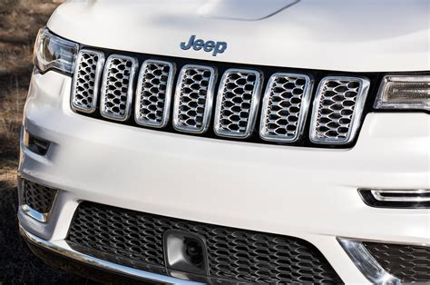 jeep grand cherokee front grill jeep grand cherokee review and rating motor trend