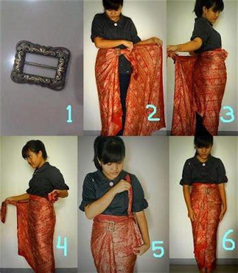 tutorial menggunakan kain batik menjadi rok dijahit