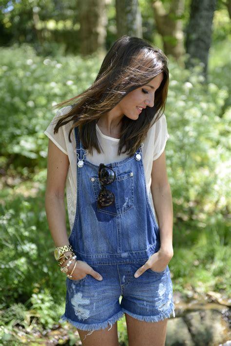 wear denim overalls  springsummer