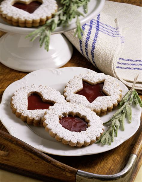Cook and bake nothing but the best! Austrian Linzer Cookie (Helle Linzer Plaetzchen) Recipe
