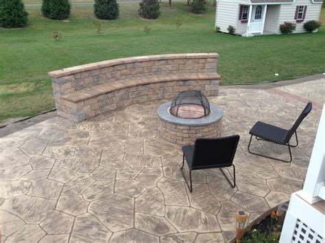 sted concrete patios with seating wall and pit