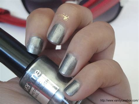 Oriflame Very Me Metallic Nail Polish Steel Frost