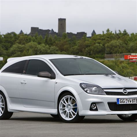 New Car Opel Astra Gtc Desktop Wallpapers 1024x1024