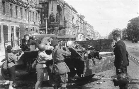 the siege 2 18th august 1943 leningrad the siege continues as