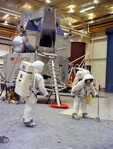 Training for Apollo 11 Neil Armstrong - Pics about space