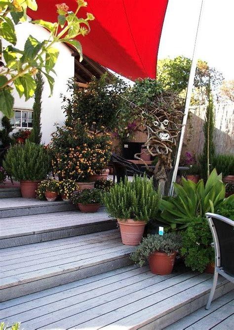 gartenmöbel villingen schwenningen mediterraner terrassengarten hanggarten holzterrasse mit