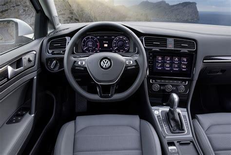 GALLERY: 2017 Volkswagen Golf facelift variants Image 611708