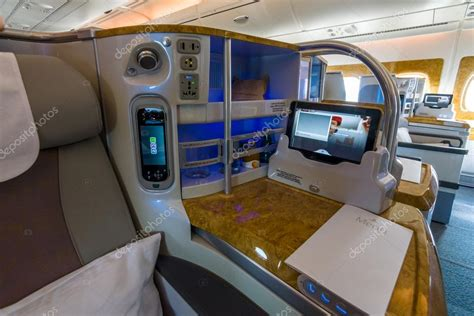 Airbus A380 Interni - interior of business class of the world s largest aircraft