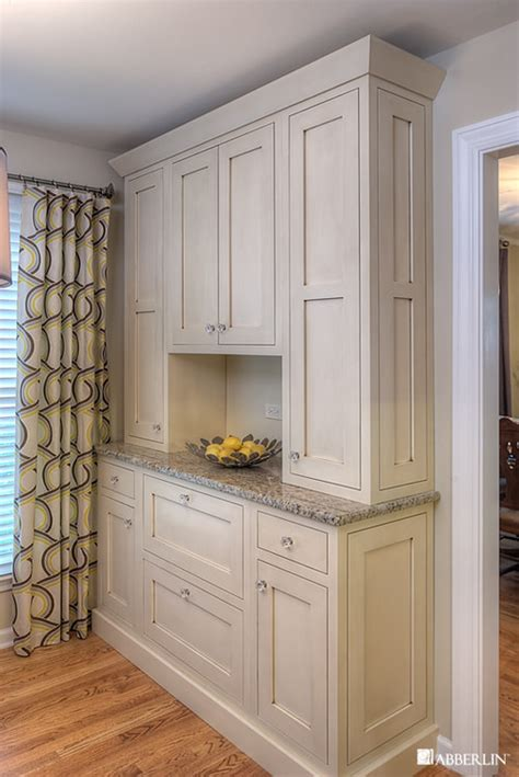 white wood stain cabinets is the the color on the cabinet stain and if so do you