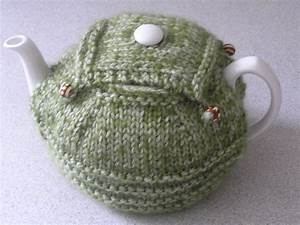 9 lovely knitted tea cosy patterns With tea cosy template
