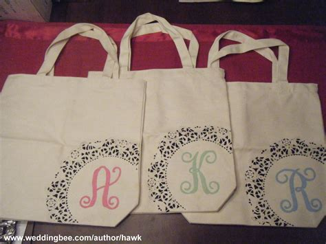 lmc  lmd gifting  bridesmaids diy monogram totes