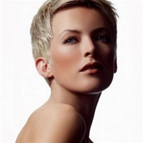 coiffure moderne cheveux courts