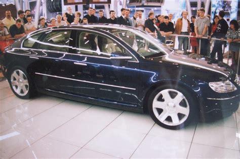 Volkswagen Concept D - Wikipedia