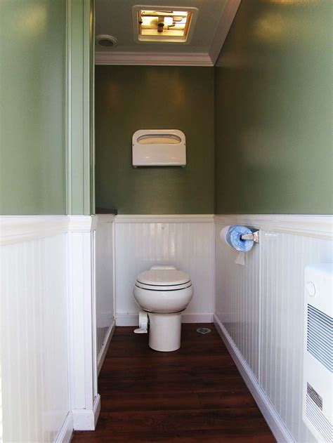 porta lisa  event rentals luxury restroom trailers