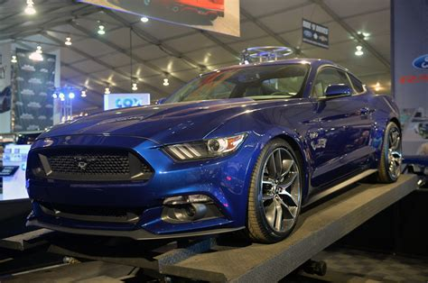 New Maisto 2015 Ford Mustang Gt 1