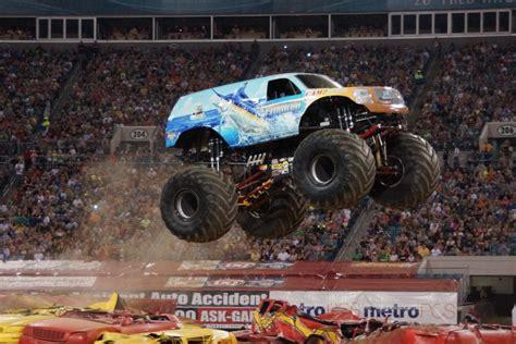monster truck shows in florida hooked monster truck photos jacksonville monster jam 2013