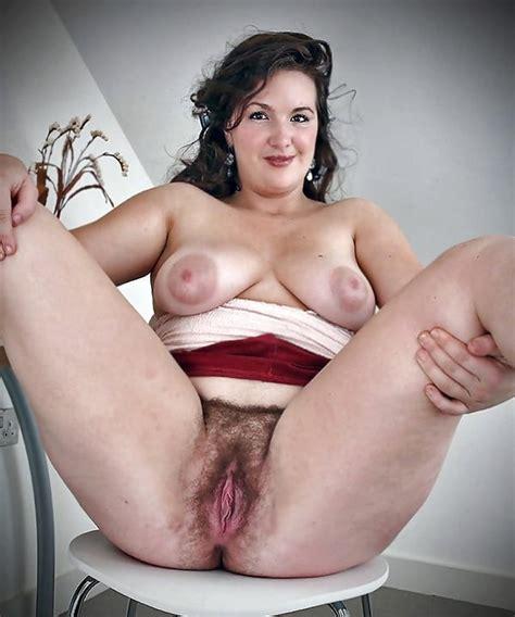Pyzda Pussy Pin 58646292
