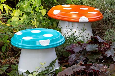 Garden Crafts : Diy Garden ­mushrooms