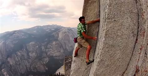 Fearless Man Climbs Mountain Without Any Rope Safety