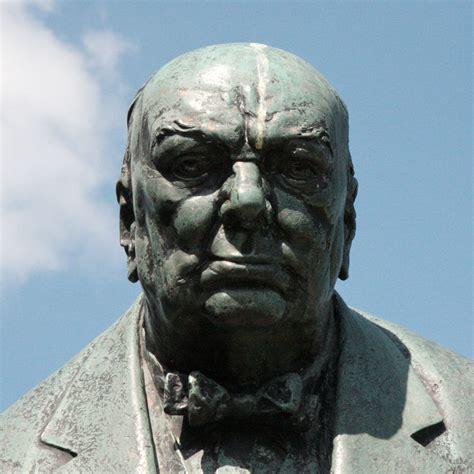 Churchill statue - Woodford Green : London Remembers ...