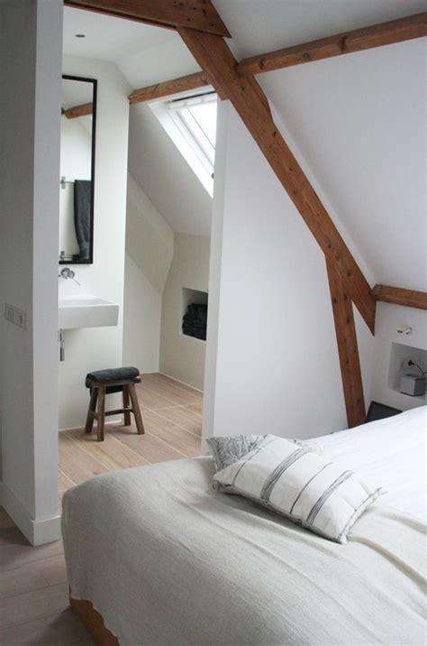 compacte slaapkamer inrichten interieur met balken interiorinsider nl