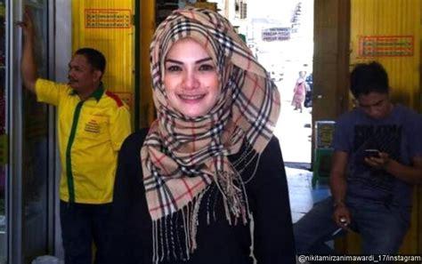 Nikita Mirzani Berhijab Dibilang Karena Suami Ternyata