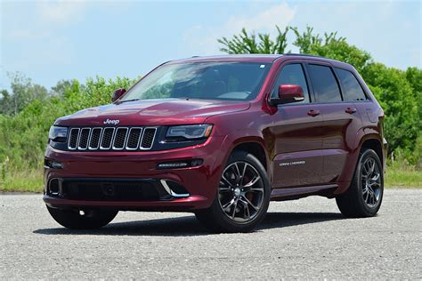 jeep cherokee driven 2016 jeep grand cherokee srt carfax blog