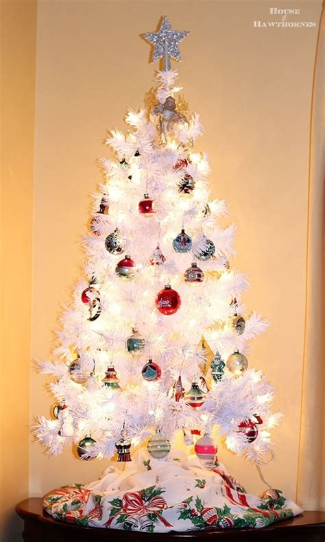 creative white christmas tree decorating ideas