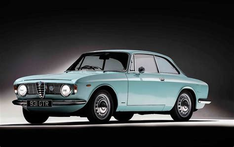 1964 Alfa Romeo Giulia Sprint Gt 1600 Vs. 1969 Alfa Romeo