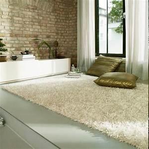 Tapis shaggy pour une atmosphere douce et confortable for Tapis chambre bébé avec creme reparatrice canape cuir