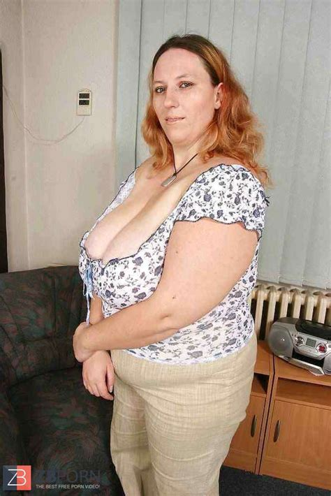Super Hot Plumper Mummy Kristyna With Ginormous Bra