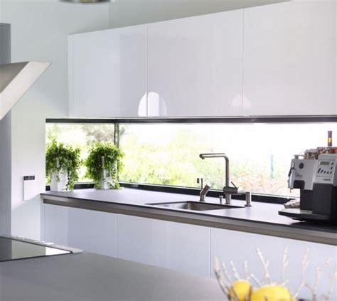 Küche Mit Eckfenster by K 252 Che Mit Eckfenster